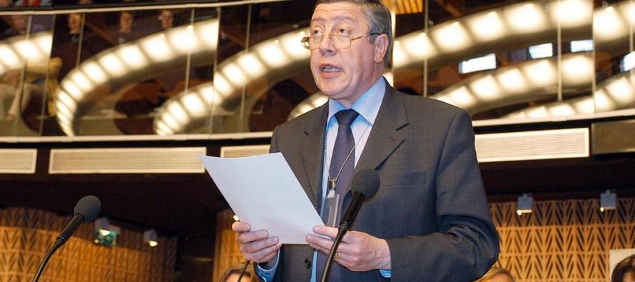 Centre : Rochebloine soutien Nicolas Sarkozy