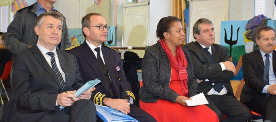 La Secrétaire d'Etat à la ville en visite à Sainté