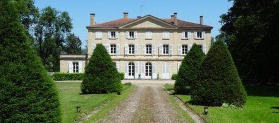 LA VIE DE CHATEAU : Le château de Sugny, une pause détente