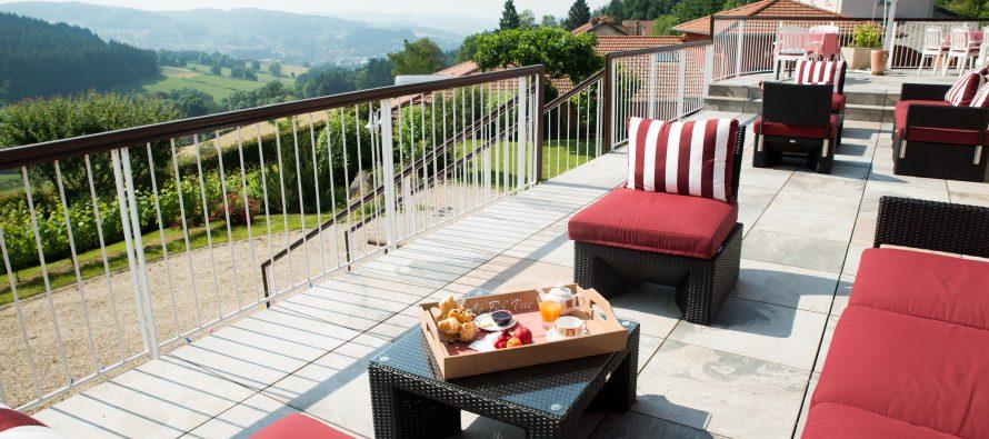 L'hôtel bel'vue  Allie tourisme vert et bonne table